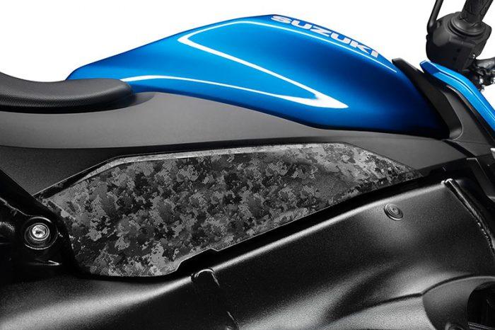 suzuki GSX S950 blue close up